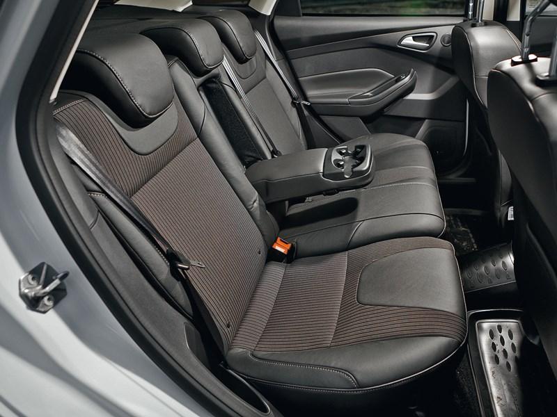 Ford Focus 2011 задний диван