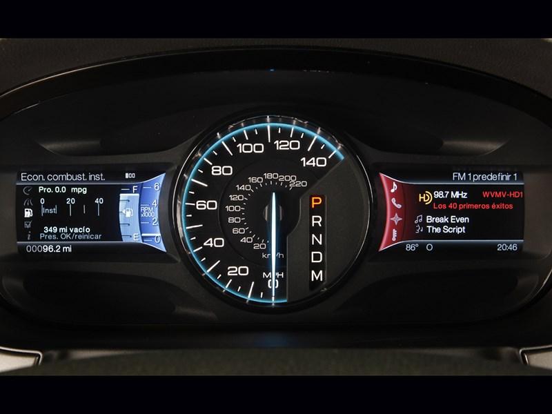 Ford Edge 2014 приборная панель