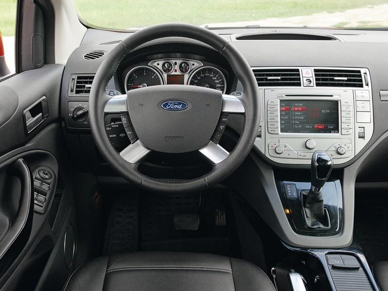 Ford Kuga 2008 водительское место