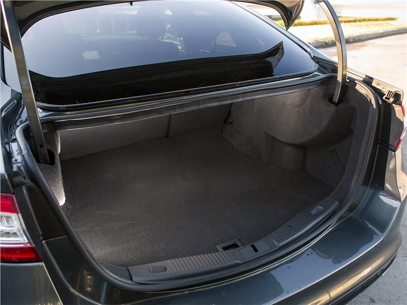 Ford Mondeo 2015 багажное отделение
