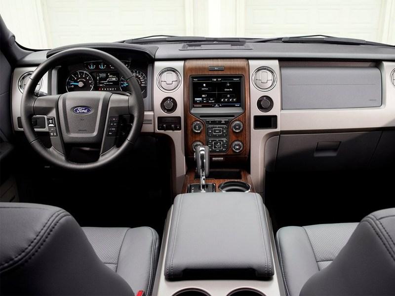 Ford F-150 2013 водительское место