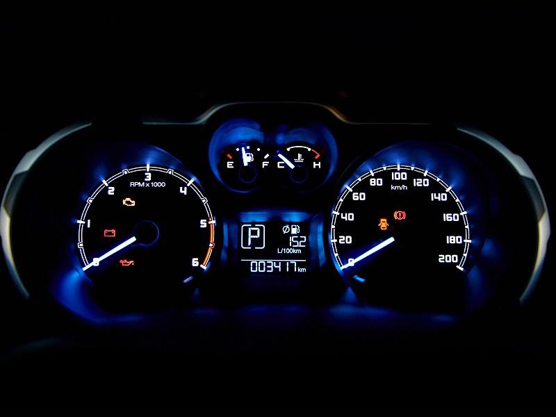 Ford Ranger 2012 приборная панель
