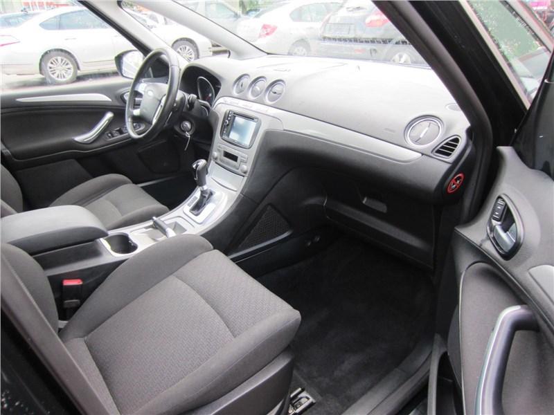 Ford S-Max 2006 передняя часть салона вид справа