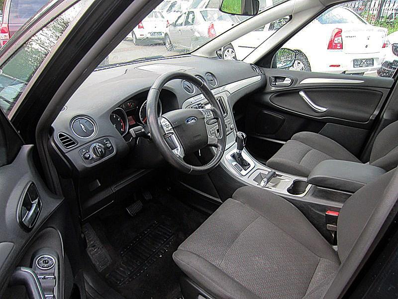 Ford S-Max 2006 передняя часть салона вид слева