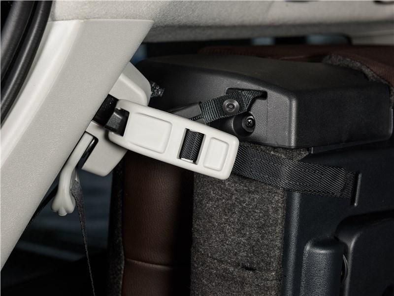 Toyota Fortuner 2016 багажное отделение