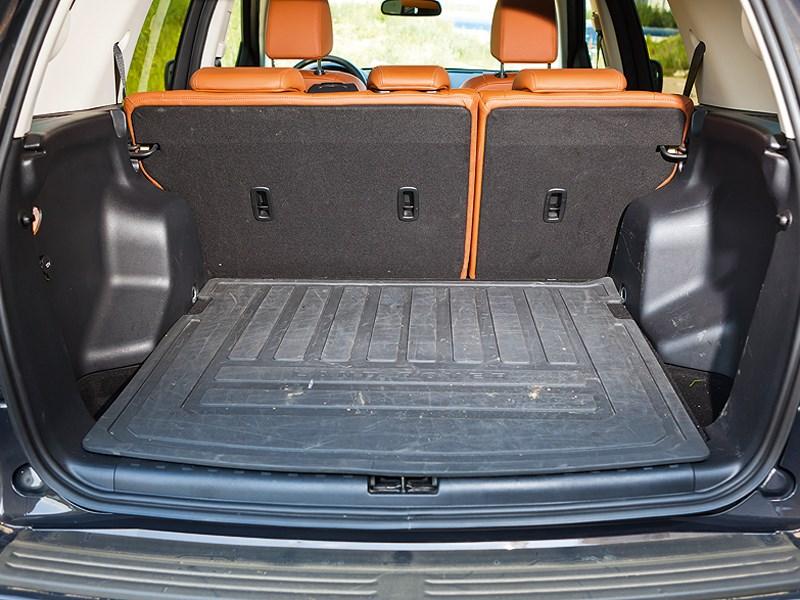 Land Rover Freelander 2 2013 багажное отделение