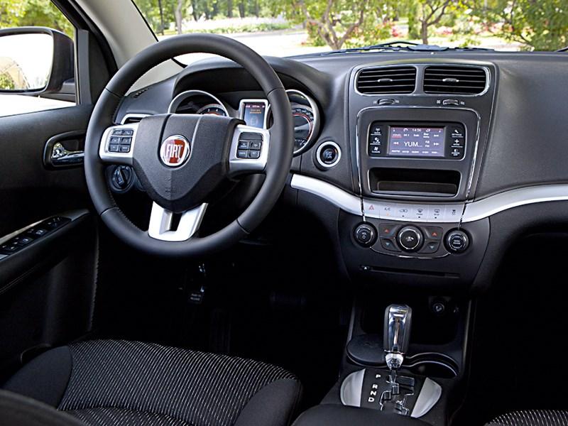 Fiat Freemont 2012 водительское место