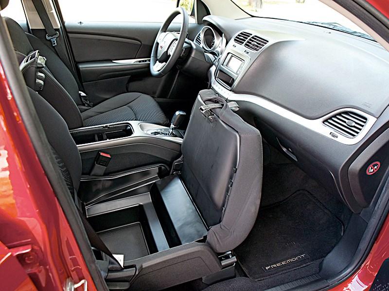 Fiat Freemont 2012 передние кресла