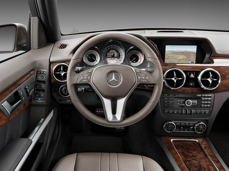 Mercedes-Benz GLK 2013 водительское место
