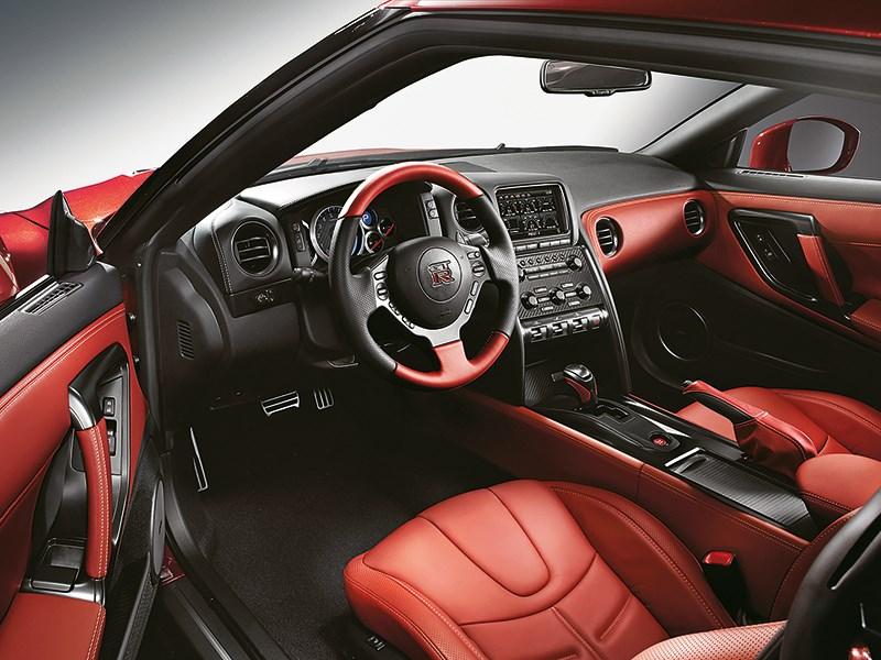 Nissan GTR 2013 салон