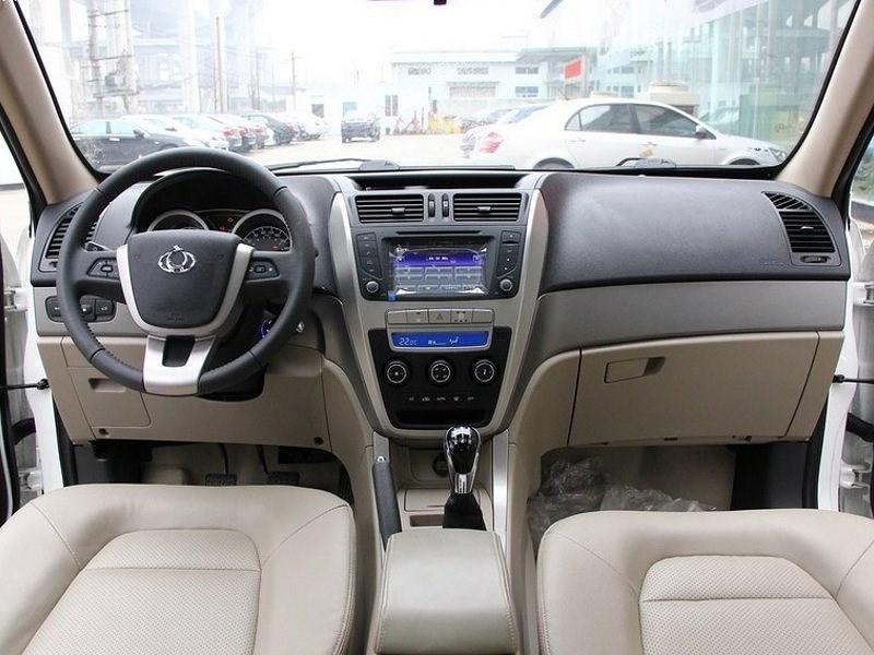 Geely GX7 2011 водительское место