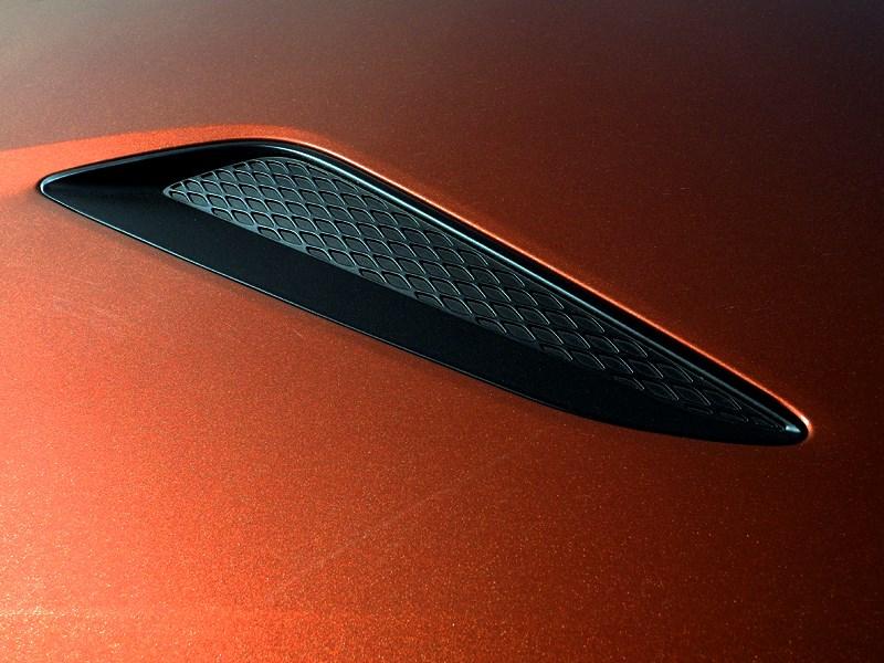 Hyundai Genesis Coupe 2012 «жабры» на капоте