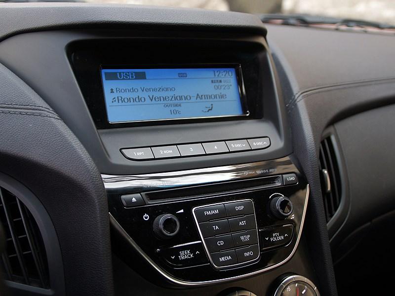 Hyundai Genesis Coupe 2012 аудиосистема