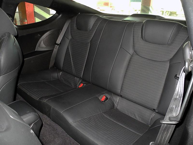 Hyundai Genesis Coupe 2012 задний диван