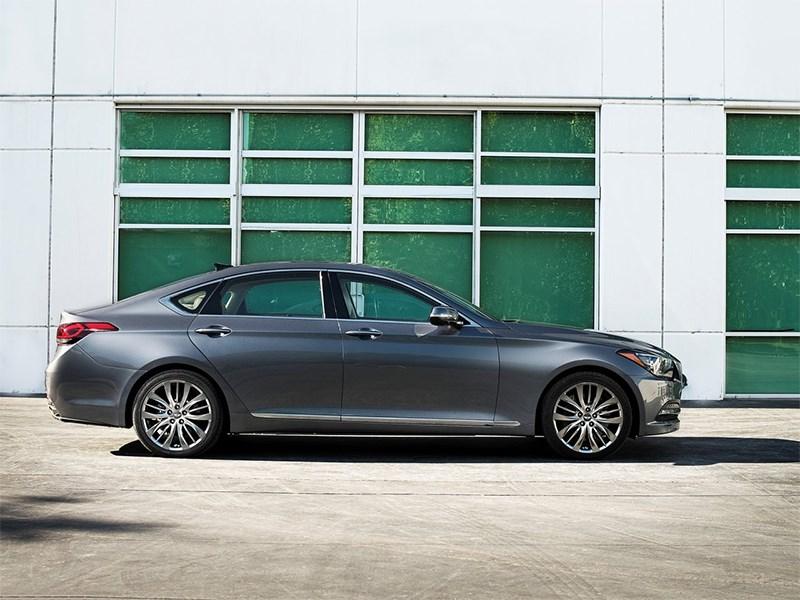 Hyundai Genesis 2014 вид сбоку