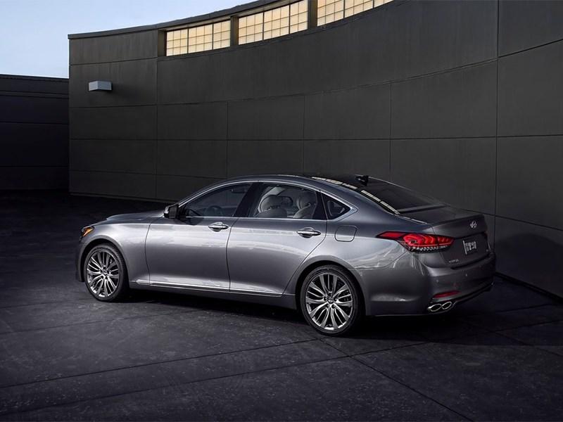 Hyundai Genesis 2014 вид сбоку сзади