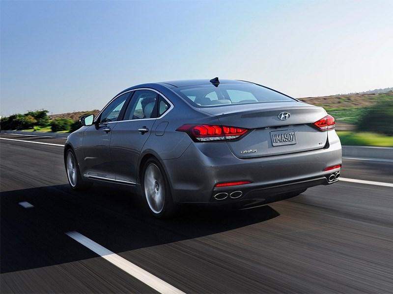 Hyundai Genesis 2014 вид сзади