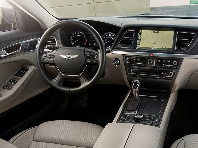Hyundai Genesis 2014 водительское место