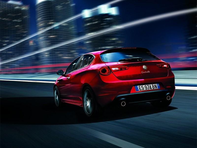 Alfa Romeo Giulietta 2014 вид сзади