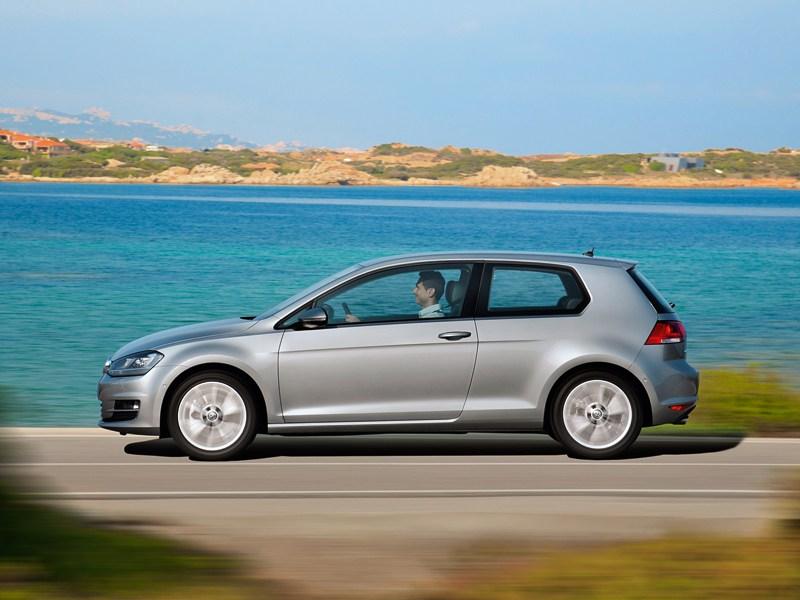 Volkswagen Golf VII 2013 вид сбоку