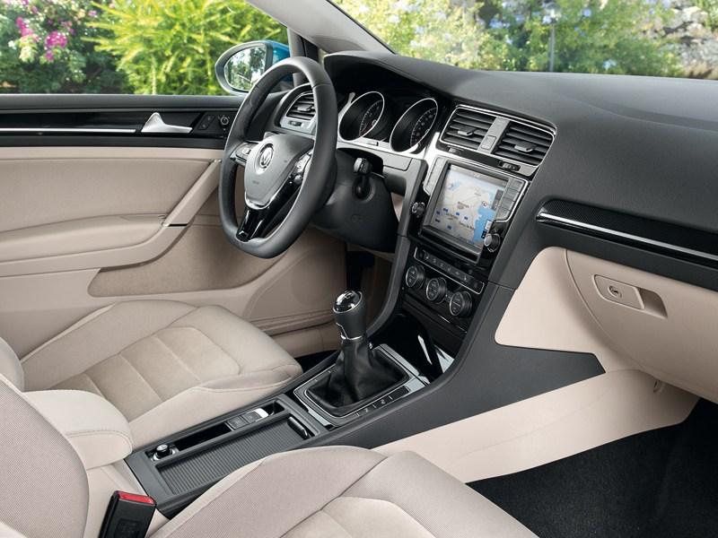 Volkswagen Golf VII 2013 водительское место