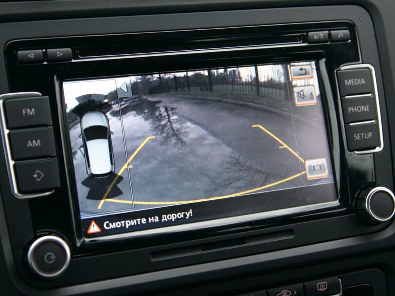Volkswagen Golf R 2008 монитор