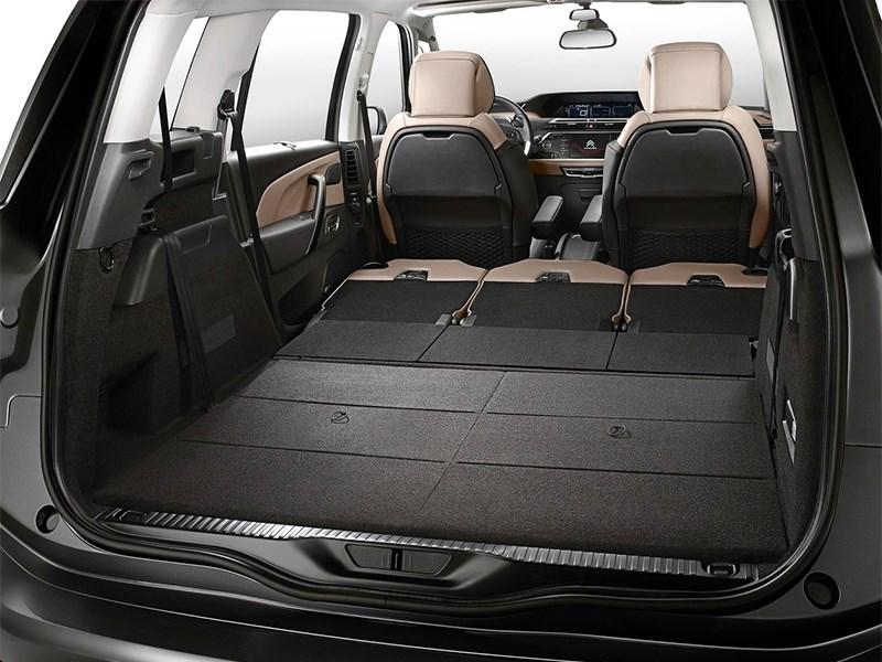 Citroen Grand C4 Picasso 2014 багажное отделение