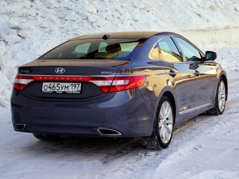Hyundai Grandeur 2012 вид сзади