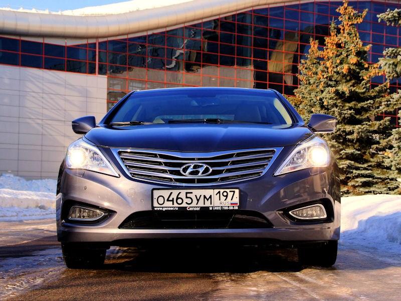 Hyundai Grandeur 2012 вид спереди