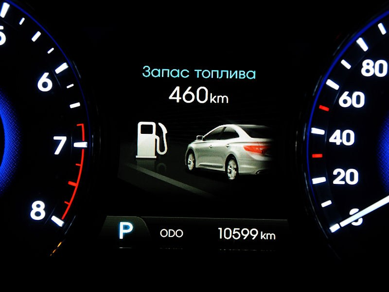 Hyundai Grandeur 2012 приборная панель