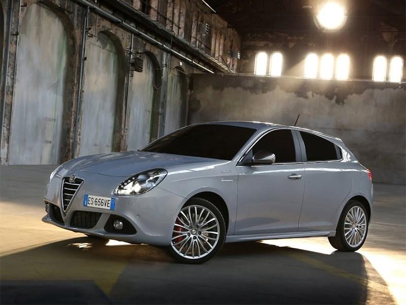 Alfa Romeo Giulietta 2014 вид сбоку фото 2