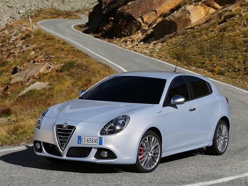 Alfa Romeo Giulietta 2014 вид сбоку фото 3