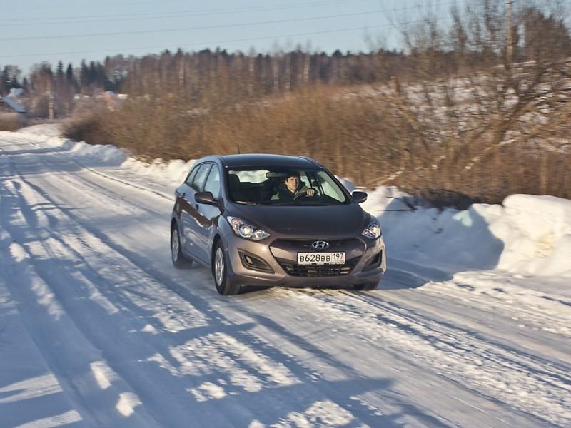 Hyundai i30 2012 вид спереди