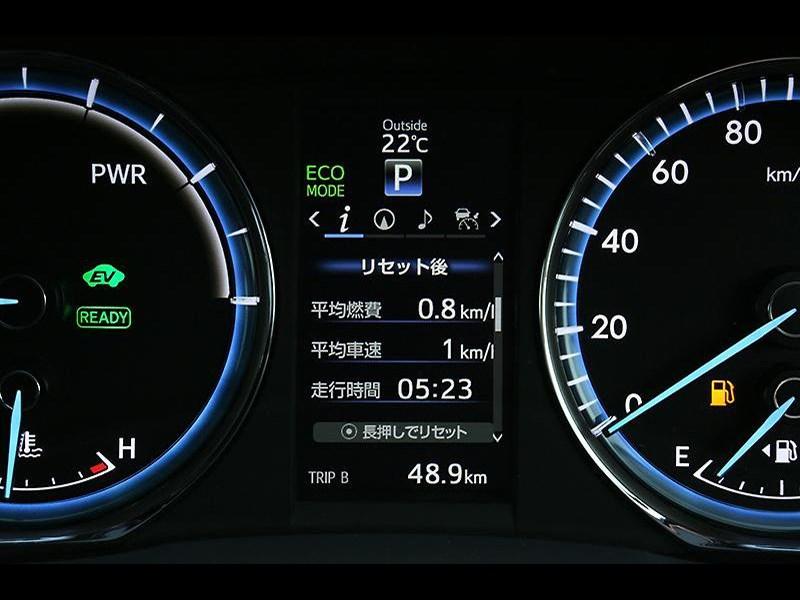 Toyota Harrier 2014 приборная панель