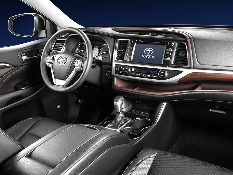 Toyota Highlander 2013 водительское место