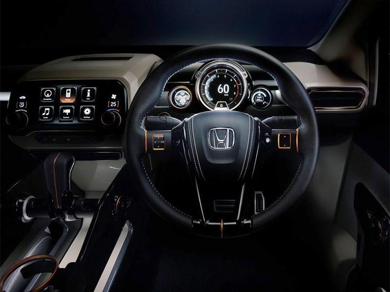 Honda Vision XS-1 2014 водительское место