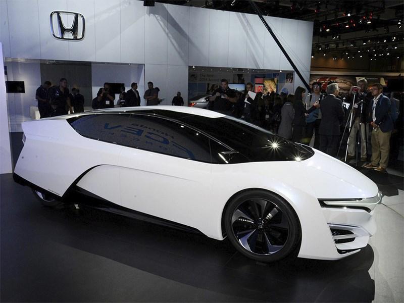 Honda FCEV 2013 вид сбоку фото 2