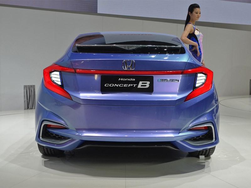 Honda B Concept 2014 вид сзади