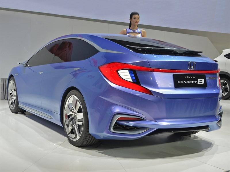 Honda B Concept 2014 вид сзади сбоку