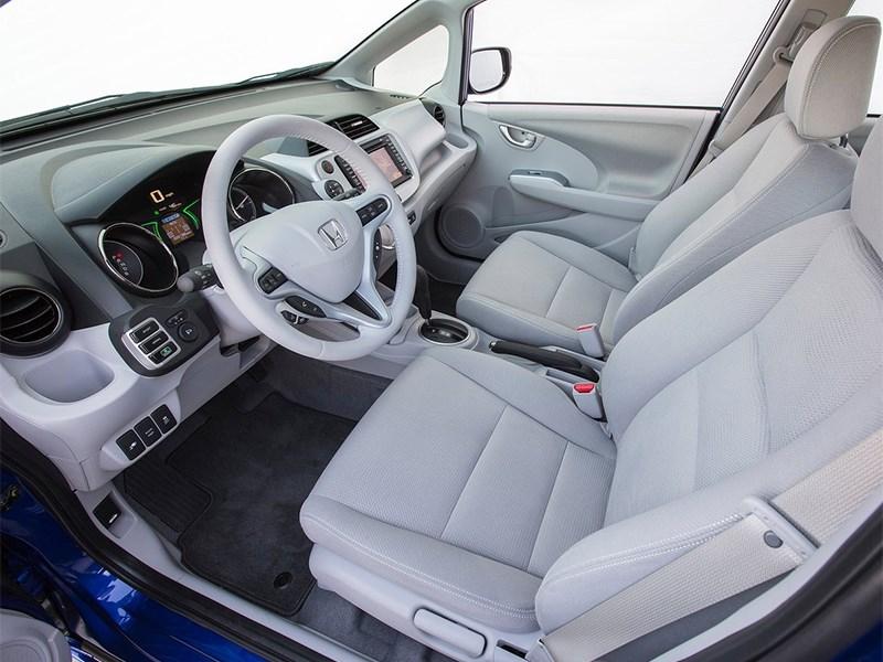 Honda Fit EV 2013 передние кресла