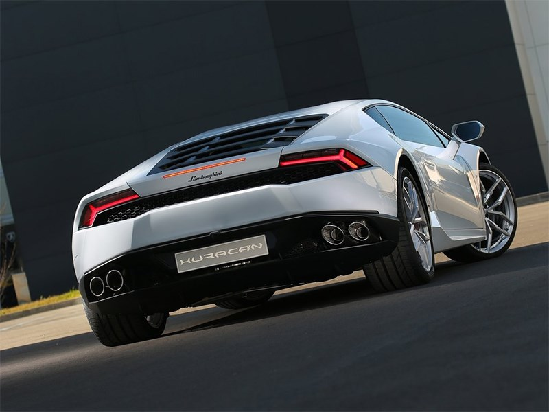 Lamborghini Huracan LP 610-4 2014 вид сзади