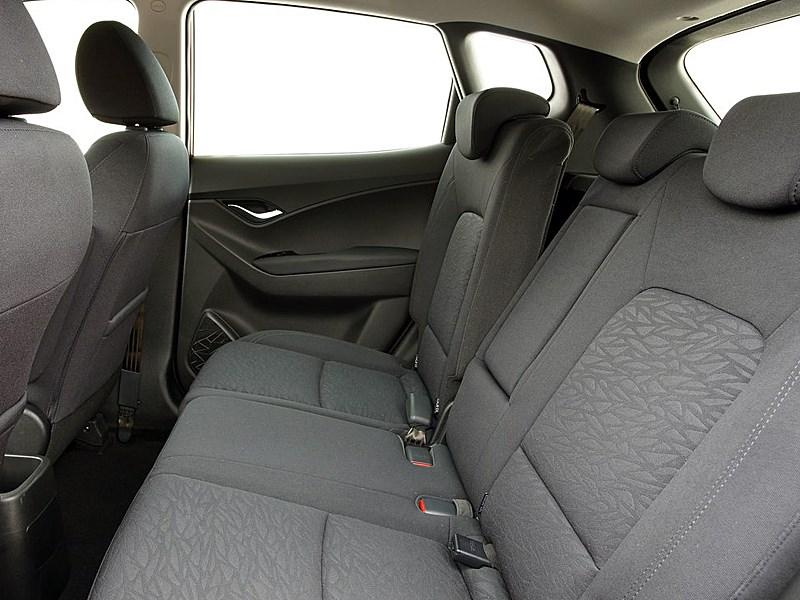 Hyundai iX20 2010 задний ряд сидений