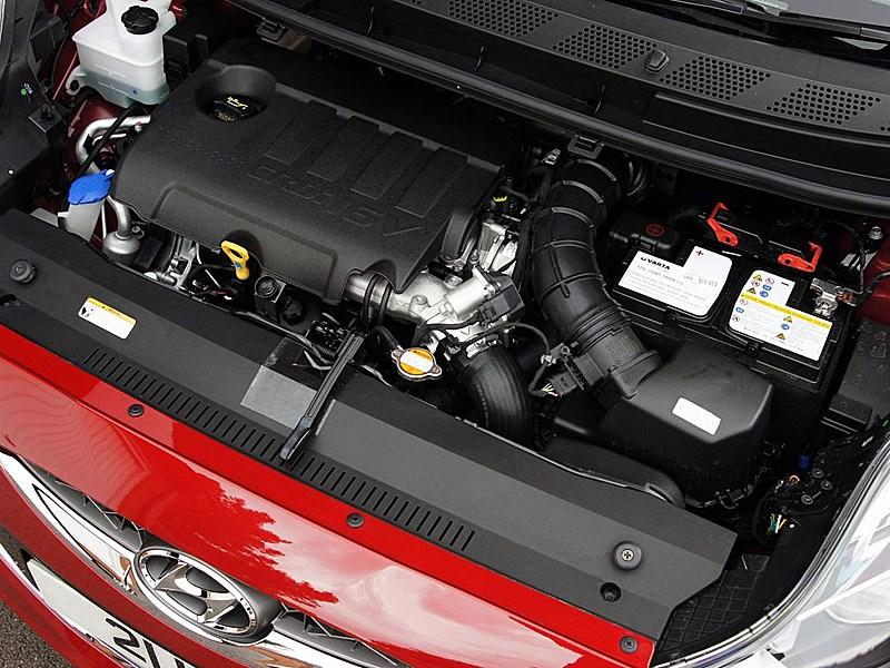 Hyundai iX20 2010 моторный отсек