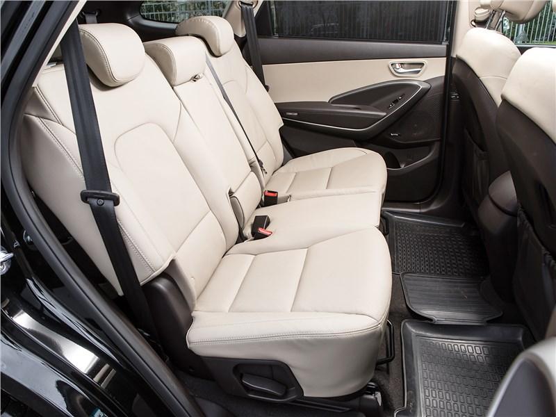 Hyundai Grand Santa Fe 2016 задний диван