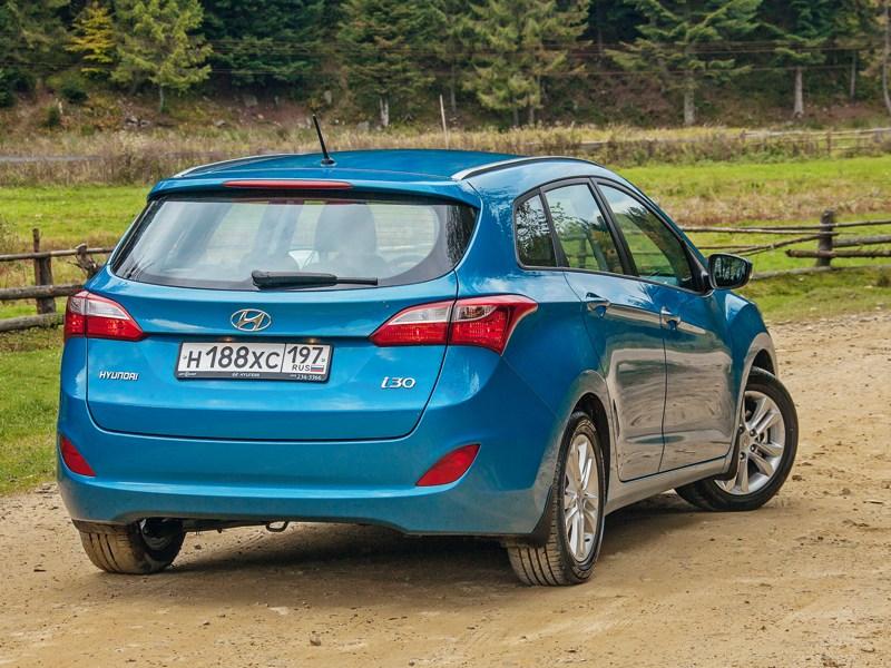 Hyundai i30 2012 вид сзади