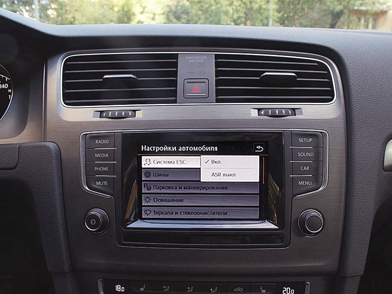 Volkswagen Golf VII 2013 центральная консоль