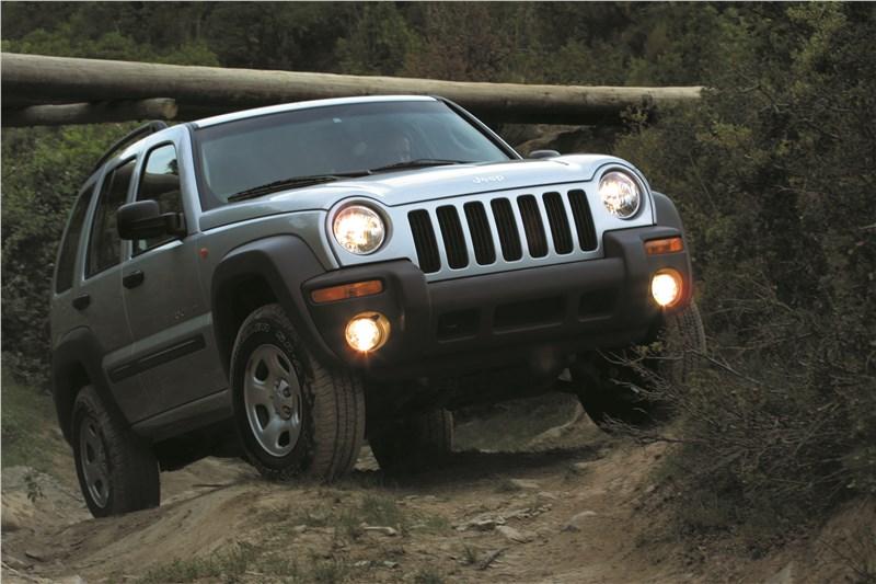 Jeep Cherokee 2001 преодоление крутого подъема