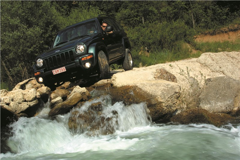 Jeep Cherokee 2001 тест на бездорожье фото 3