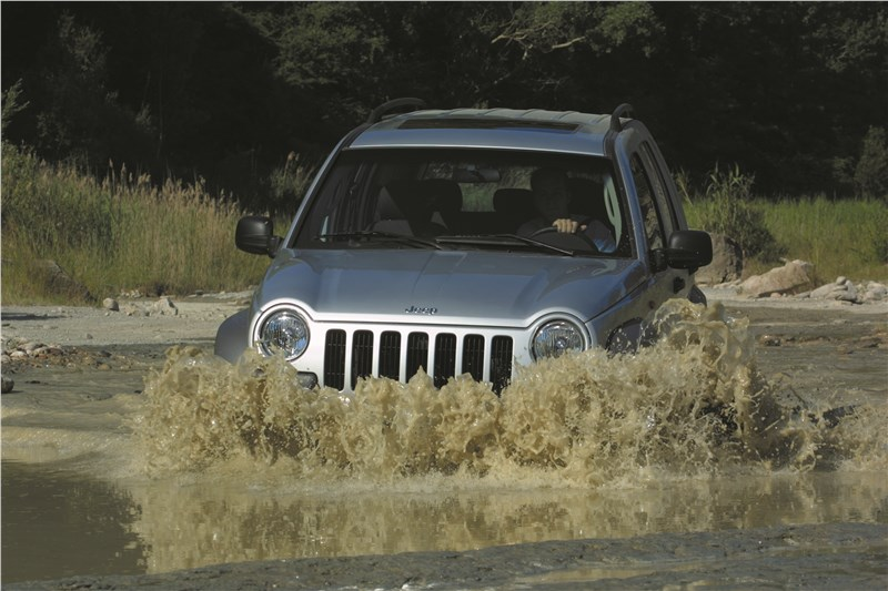 Jeep Cherokee 2001 преодоление брода