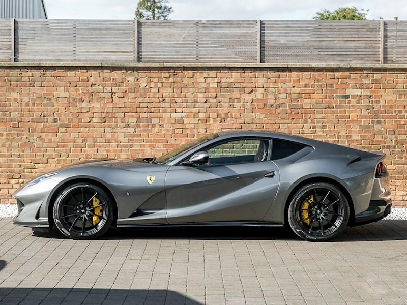 Ferrari усиленно работает над мотором V12